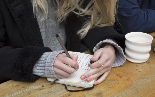 Si quieres organizarte mejor, vuelve a escribir a mano