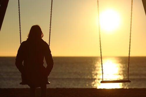 Con la soledad topamos